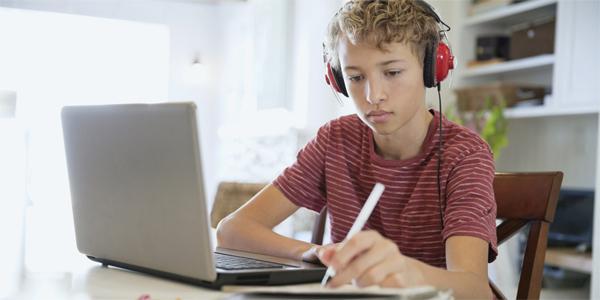 Estudando Inglês pelo computador