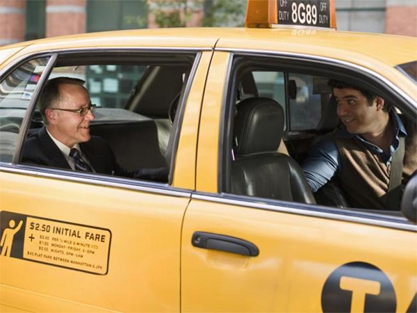 Falando com o taxista