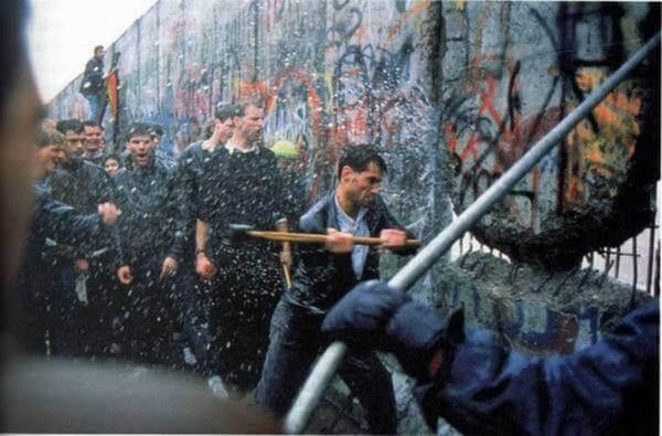 Muro de Berlim queda